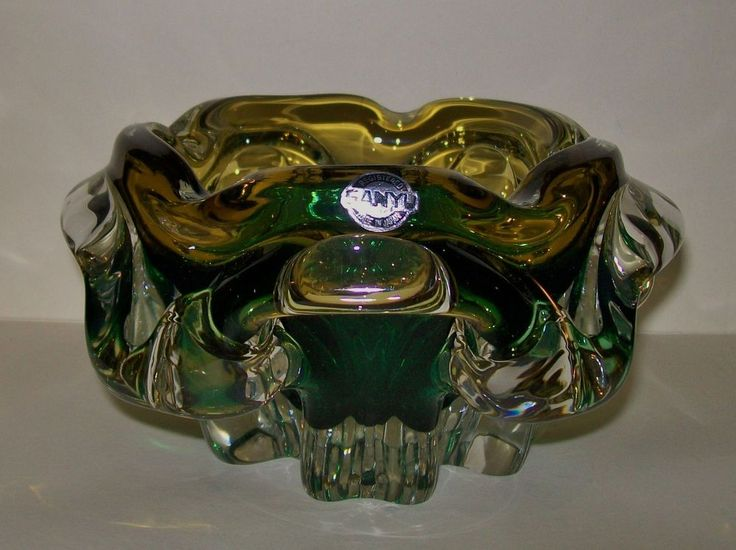 LARGE 70 s RETRO HEAVY/CHUNKY  SANYU  GLASS ASHTRAY / DISPLAY BOWL - Japan