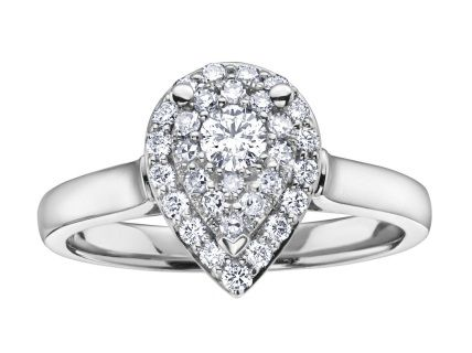 The stunning pear shaped feature ring has a Round Brilliant cut diamond centre and  is surrounded by a double halo. Created in 10kt white gold,