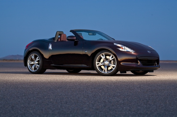 The 2012 Nissan 370Z roadster once again offers the classic open-top sports car motoring experience – with its legendary Z-exclusive balance of dynamic performance, sculptured styling, innovative technology and exceptional value.