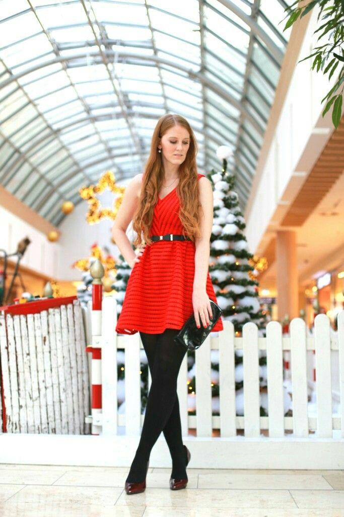 Dress, Christmas Outfit, Ootd , Red Dress , Dress , Lackpumps , Lacktasche , Tailliengürtel ,