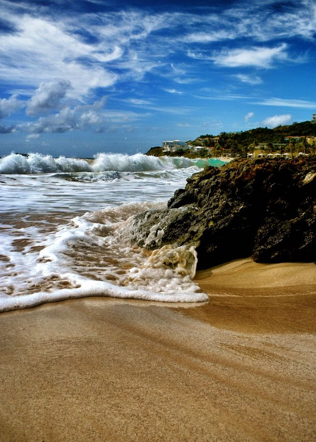 Spend a beach day at Dawns Beach in Phillibsburg, St. Maarten. Relax as you watch the tide wash out.
