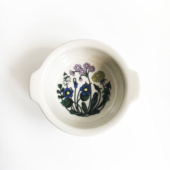 Arabia Finland  bowl named  Flora Esteri Tomula
