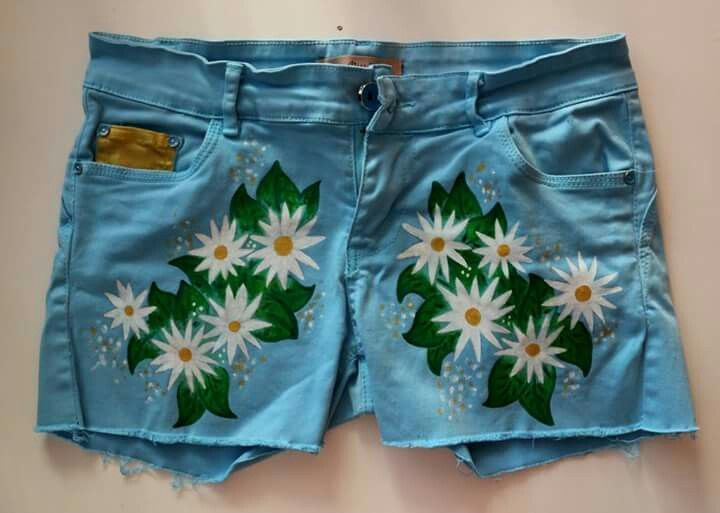 Daisy flower shorts