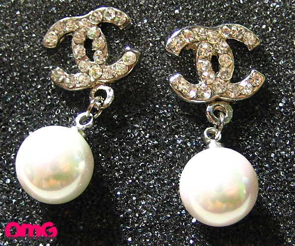 Chanel Pearl Earrings Pearls Pinterest And