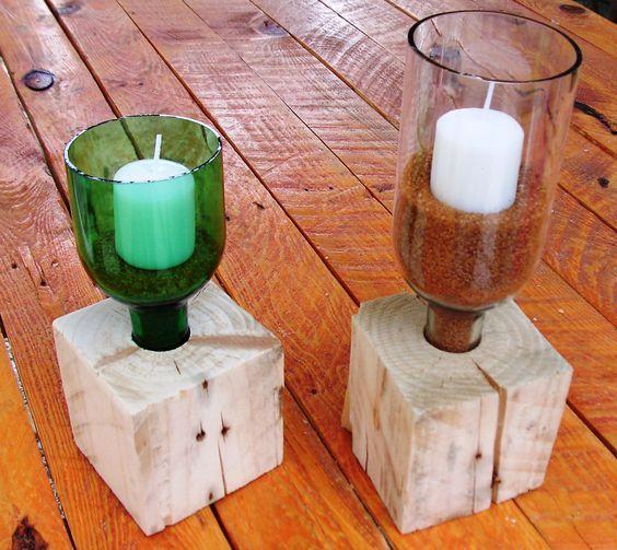 Soporte para velas con botellas recicladas y madera de palet.: