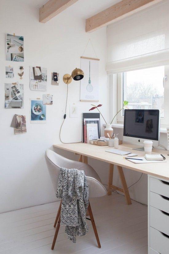 Espacio de trabajo minimalista y low cost