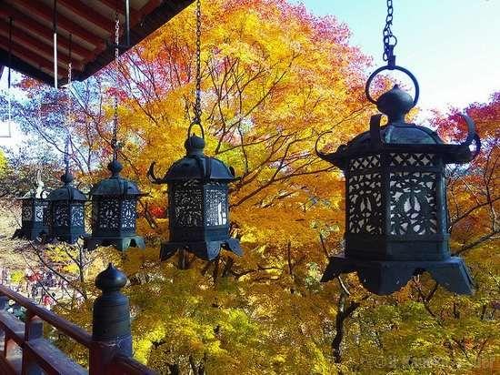 I 15 migliori luoghi e città del mondo dove ammirare i colori dell'autunno