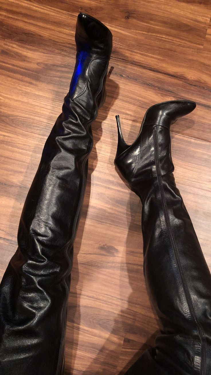 Crotch High Boots - need I say more? #highheelbootslatex