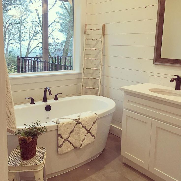 17 Best Ideas About Small Bathroom Wallpaper On Pinterest: 17 Best Ideas About Freestanding Tub 2017 On Pinterest