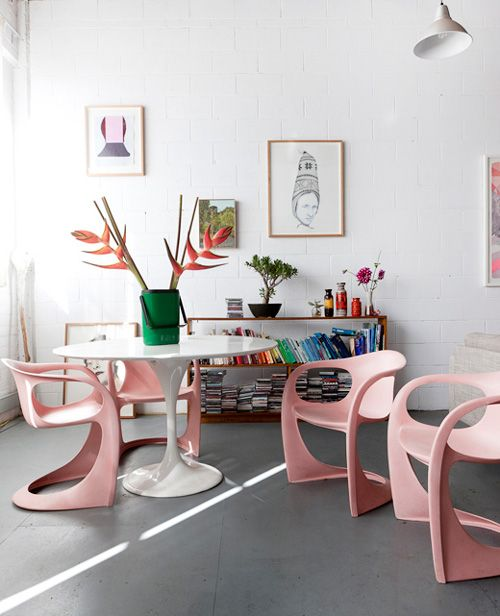 pink chairs  @Carla O'Neill  now THIS is mid-century mod I could love :)