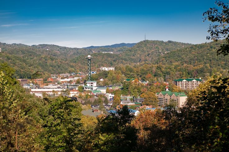 4 Unbeatable Benefits of Staying in a Gatlinburg Condo Rental With Mountain View - http://www.alpinemountainchalets.com/blog/gatlinburg-condo-rental-with-mountain-view/
