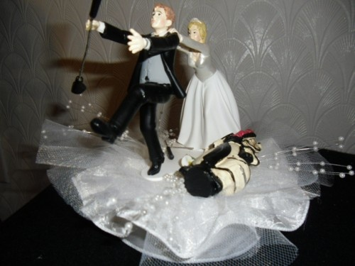 For his cake! A simple cake with awesome topper! Vanilla and not ...