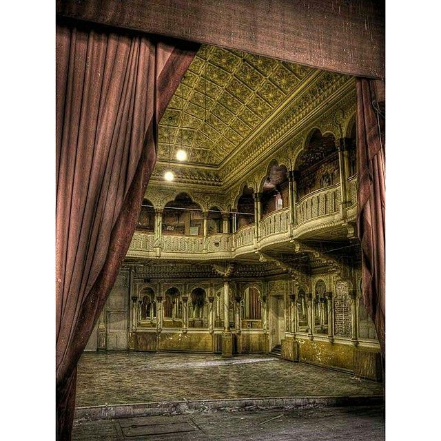 Theater in Belgium, abandoned for 25 years