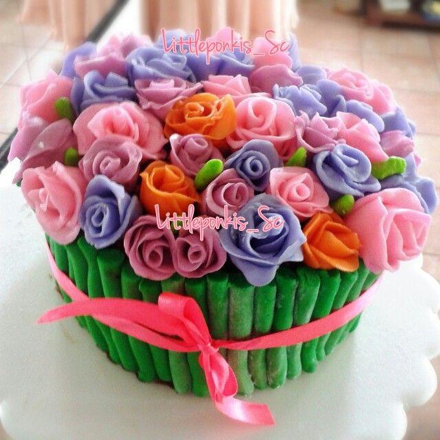 Flowers cake for mom