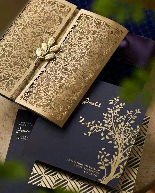 El lujo de una combinación impecable que corta la respiración. Invitacion de boda con corte laser y foil unica y muy elegante