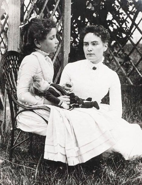 8 year old Helen Keller and Annie Sullivan vacationing at Cape Cod in 1888