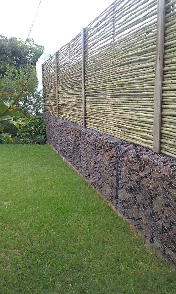 Gaviones y muros de alambre y piedras 63 dise os valla de jard n jard n moderna y valla - Piedras para jardin baratas ...