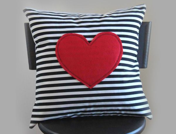Express Your Love With 15 Modern Heart Pillows Heart Pillow Heart Pillows Diy Pillow Covers