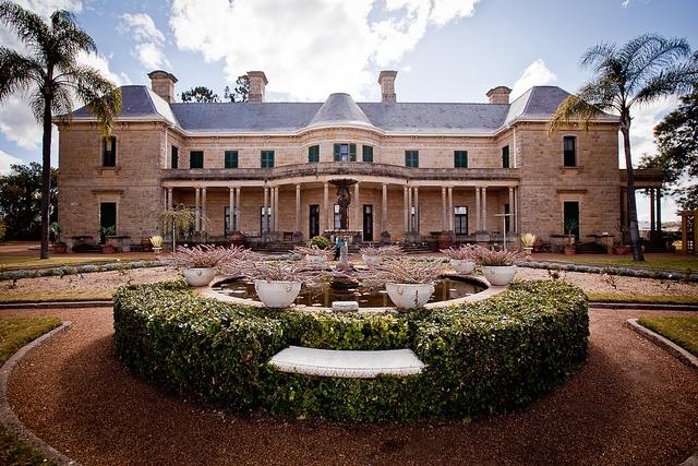 Jimbour House, Queensland / formal garden / grand home / symmetrical