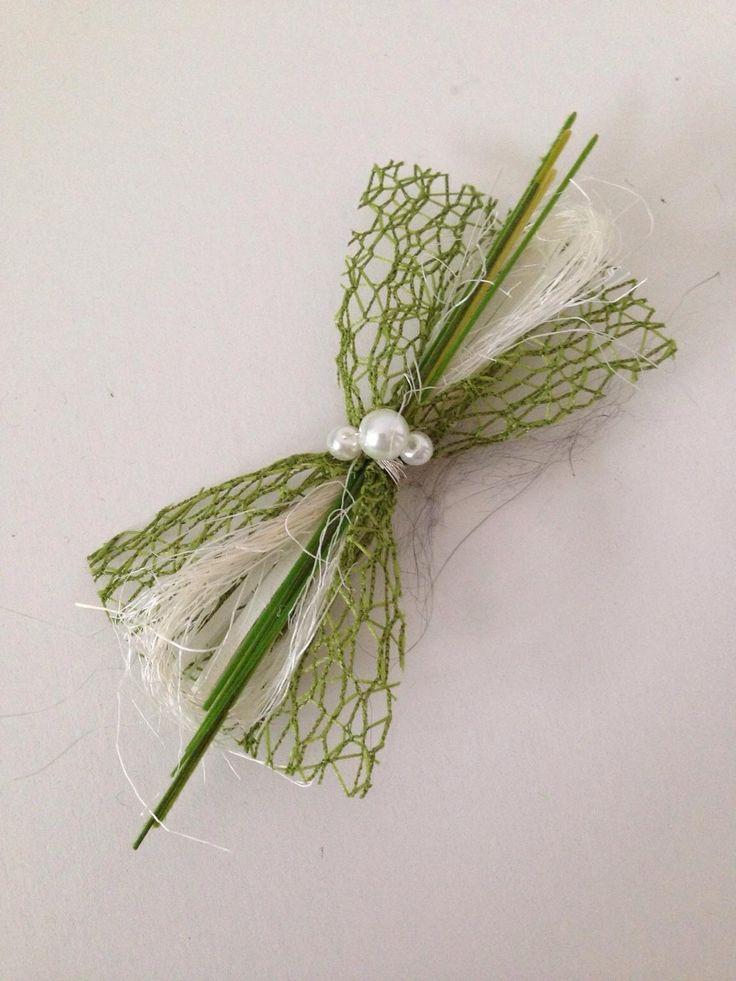 Hochzeitsanstecker grün-weiß