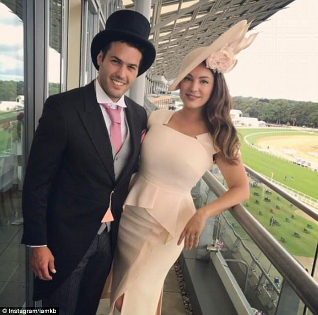 Glamorous Kelly Brook hardly acknowledges Ascot Races | Daily Mail Online