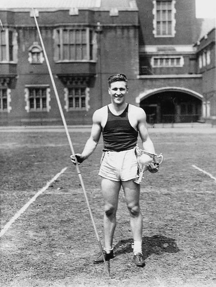 Javelin throwing, 1920s
