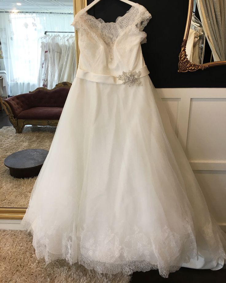 Mori Lee , size 24 never worn -tags on , ivory cream $1200-