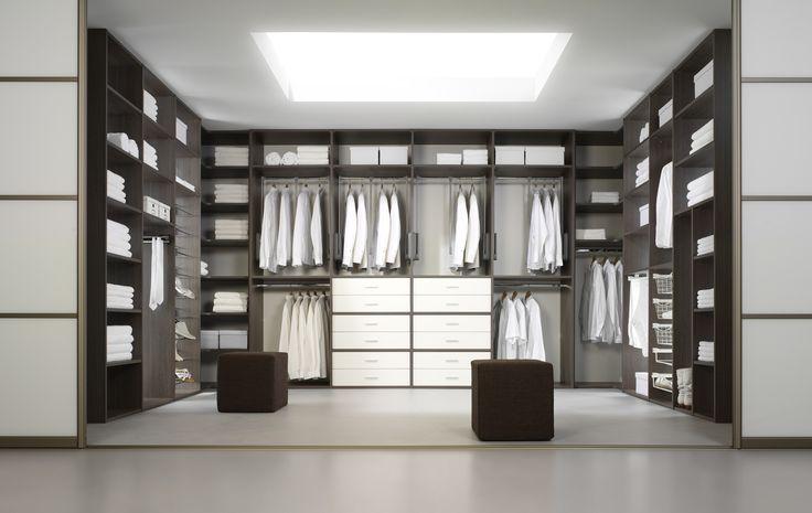 Uw ideale dressing op maat ontwerpen  realiseren door Vefato Motké! Heerlen Vaals Beek Maastricht Limburg Inloopkast op maat gemaakt