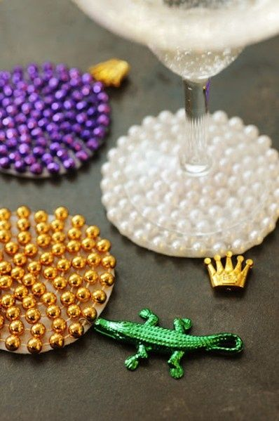 Mardi Gras Beads coasters- it would be cute to make ornaments this way during Christmas too! #xmas_present