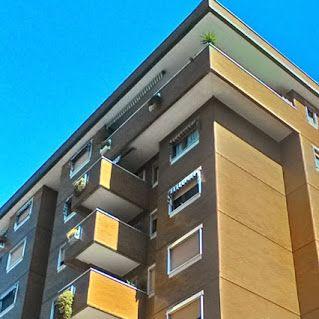 vendesi FIRENZE (FI) zona FIRENZE NOVA stabile anni '70 piano alto con ascensore appartamento di 6 vani con doppi servizi. Ingresso aperto sul soggiorno, cucina abitabile, studio, 3 camere, ripostiglio e terrazze abitabili. Completa la proprietà garage di 25 mq. Luminoso e panoramico. Comodo a tutti i servizi. € 390.000 Rif.TA18