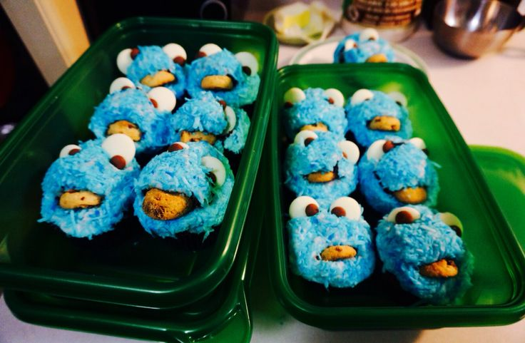 Cookie Monster Cupcakes. Blue. Coconut. @shanschlotts