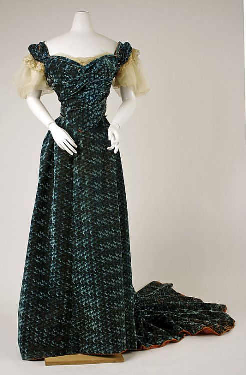House of Worth's Evening Ensemble, 1898-1899, French