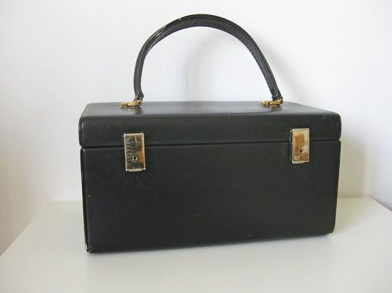 French train case black vanity case by Le Tanneur by Histoires Now sold, other French vanity cases available