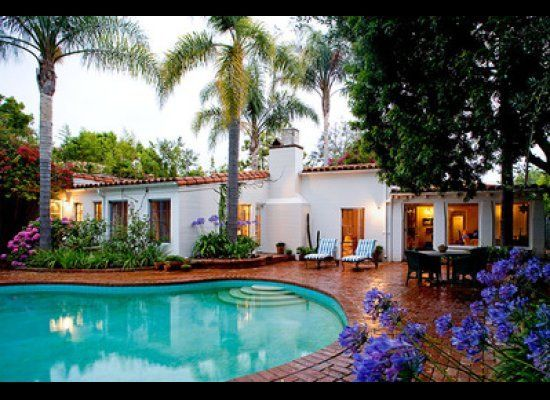 Marilyn Monroe's former home on 5th Helena Dr in Brentwood, where she died in August 1962. Another house I love, not just for the Hollywood history but I love its simple Spanish influenced design. I wish I could have bought it when it was for sale a couple of years ago!