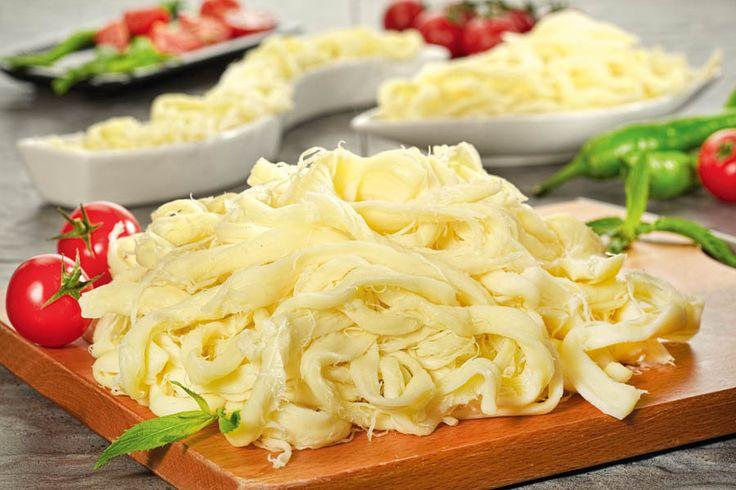 tel peynir - Kars yöresi..Neredeyse her bölgenin kendine özgü 4-5 çeşit peyniri var Türkiye 'de
