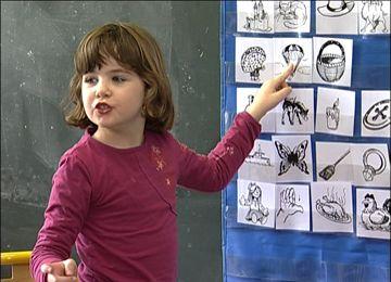 Segmenter les mots en syllabes ... dès demain, promis, on joue au jeu de la chasse aux syllabes dans la salle de motricité !