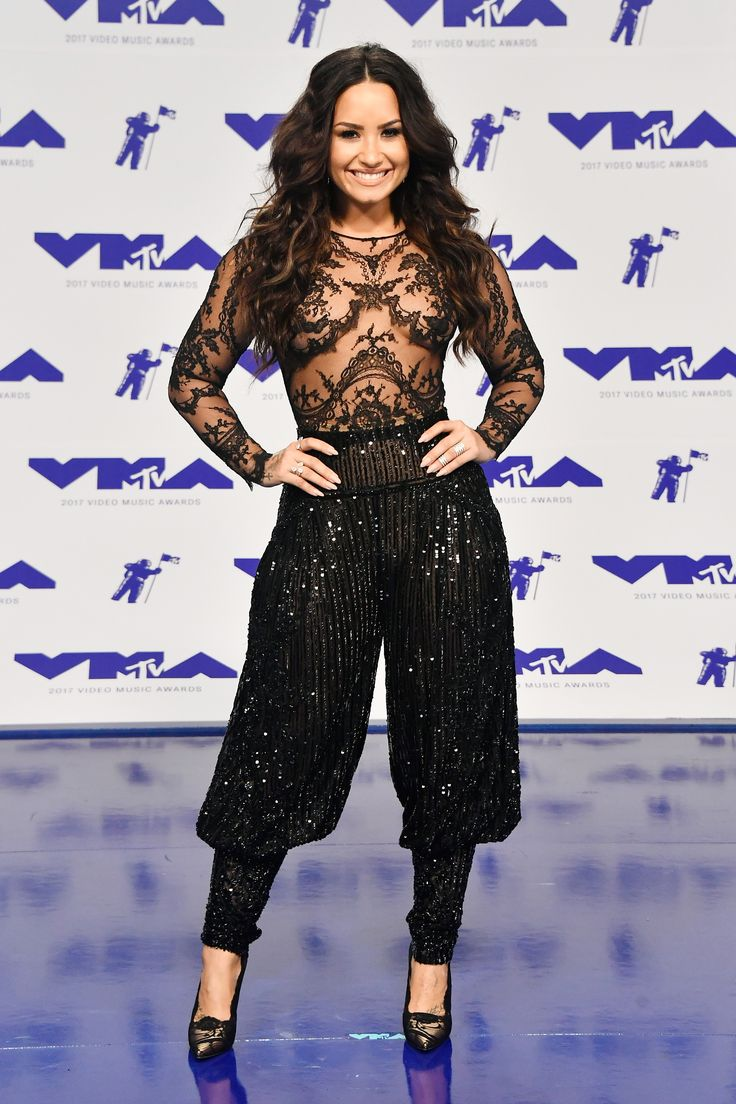 """Join 9 people right now at """"Demi Lovato Welcomes You to Hammer Time"""""""