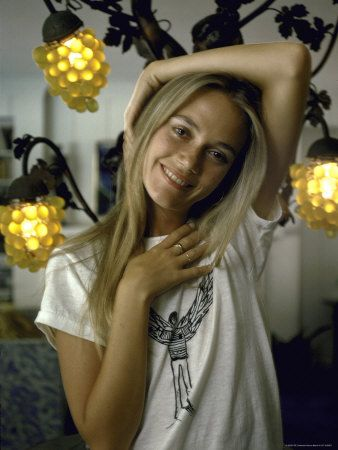 60s Style Icons Part 1 - bohemiankate.com Peggy Lipton #bohemian #60s #style
