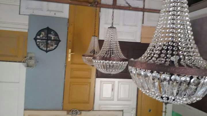chandelier viennacoffeeroaster coffeeshop roastery bestcoffeeintown