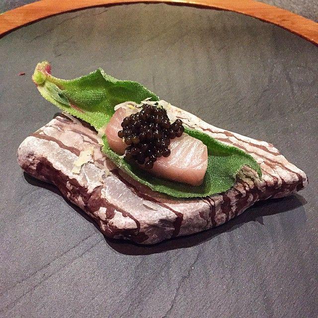 Caviar, sashimi and iceplant #preappetiser #japanese #fusion #caviar #rawfish #iceplant #foodporn #nom #throwback #christmasdinner #ddxgg #twentysixbyliberty #central #hongkong