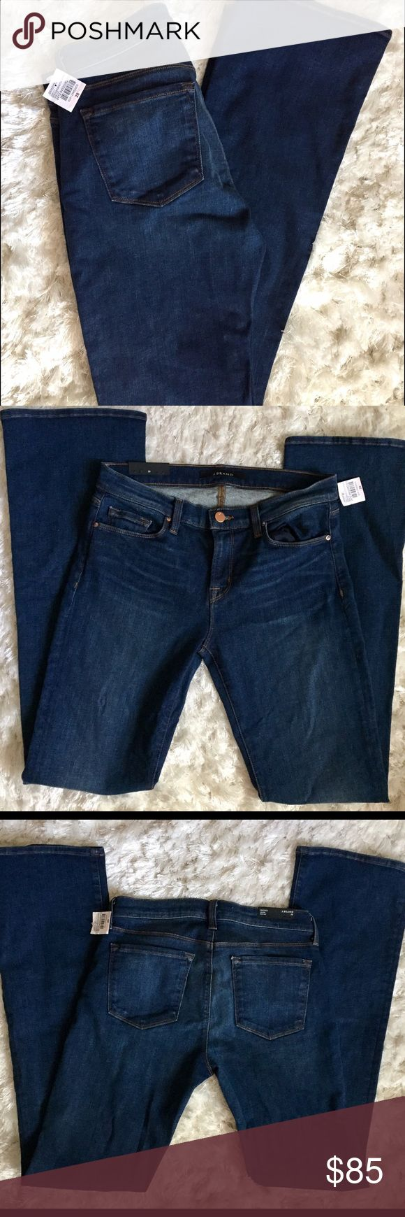 💚 NWT J brand jeans size 28 Stretchy size 28 j brand jeans. Never worn new with tags. Awesome color! J Brand Jeans Boot Cut