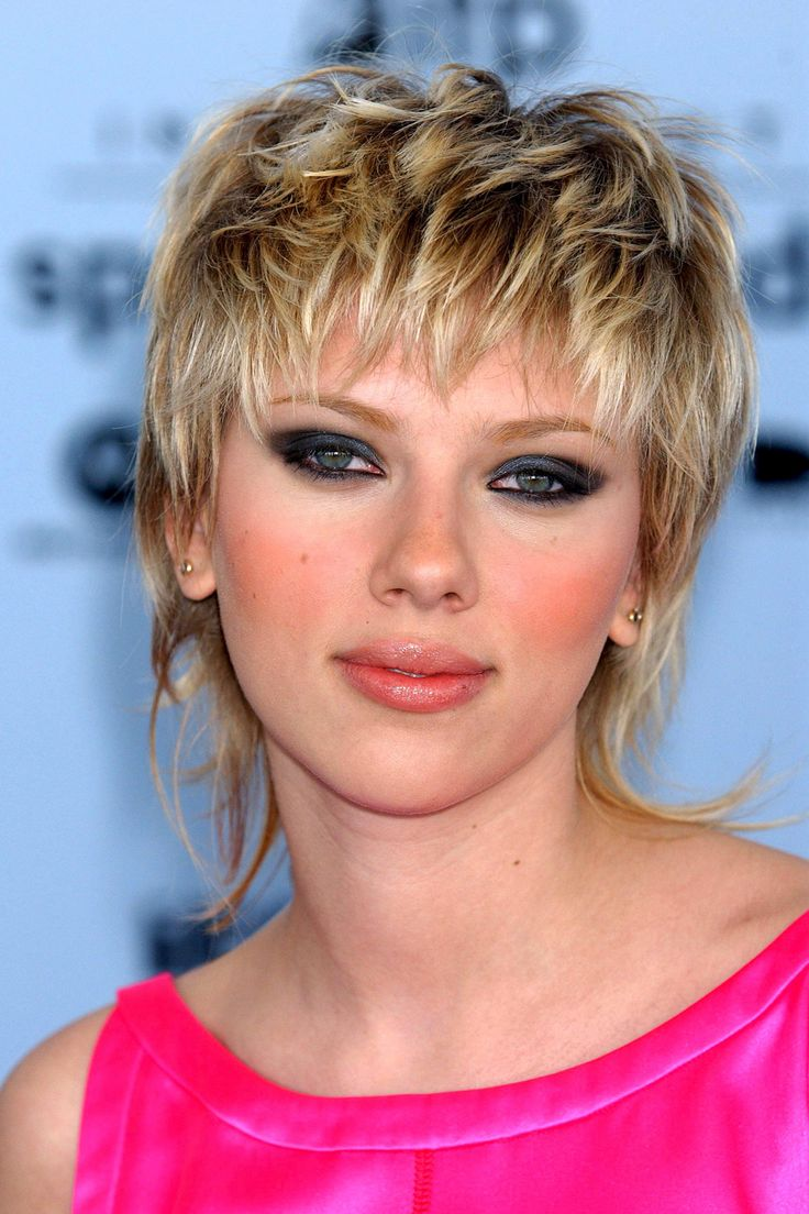 Remember This? The 18 Celebrity Hairstyles You Totally Forgot #refinery29  http://www.refinery29.com/53717#slide6  Scarlett Johansson, 2003 Whoa, there. We definitely like the idea that ScarJo had with her blonde Joan Jett vibe, but...but...just, but.