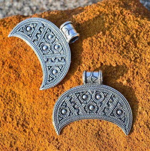 Replicas of a lunula pendant found in Staré Město, Czech Republic. Culture: Slavic (West Slavs - Great Moravian Empire). Timeline: 11th century[via Wulflund Jewelry]