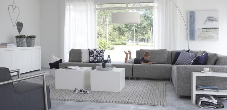 Moderne grijze bank voor woonkamer livingroom pinterest photos - Eetzaal grijze moderne ...