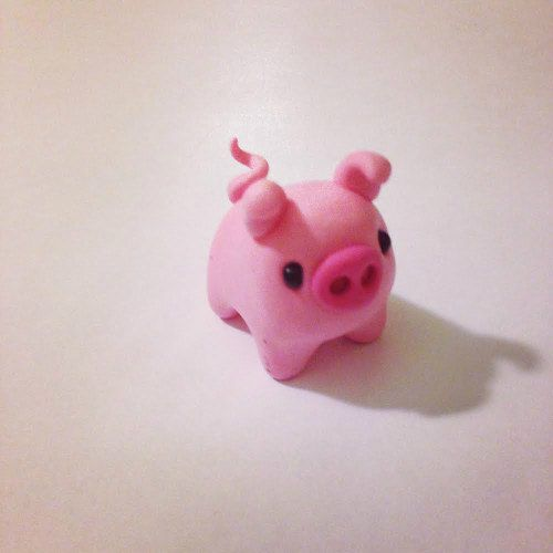 Polymer clay miniature pig by #maocreatures                             https://www.etsy.com/listing/209136964/polymer-clay-miniature-pink-pig-cute