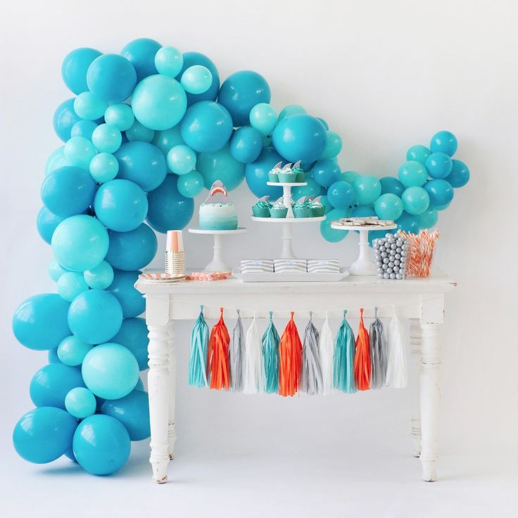 Shark Attack Balloon Garland Kit