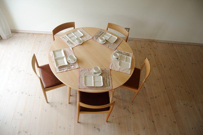 ブナ丸ダイニングテーブル(5本脚) 直径135cm / カグオカ