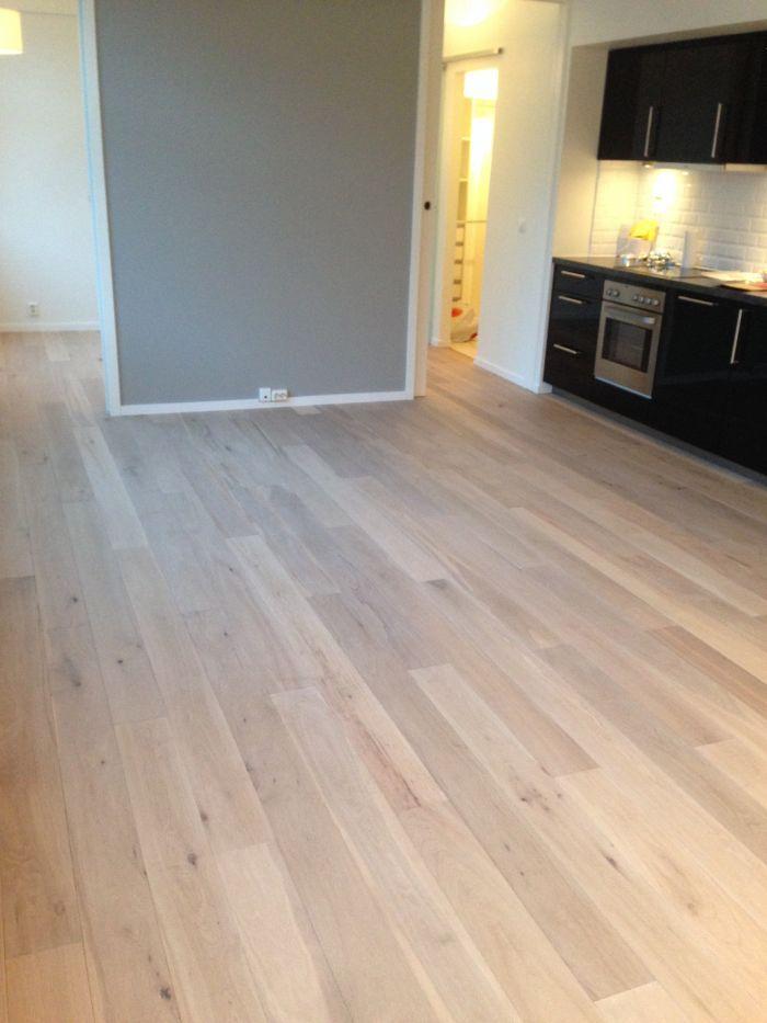 Nylagt #parkett i liten leilighet i Oslo.