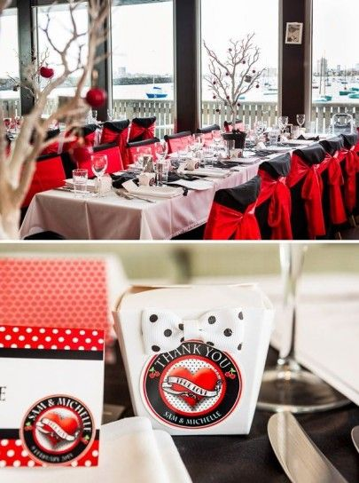 Tavolo della location con elementi rossi per un matrimonio stile rockabilly