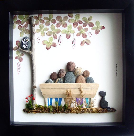 Family Pebble Art | DIY Christmas Gifts for Family Inexpensive | Handmade Christmas Gifts for Friends #ad